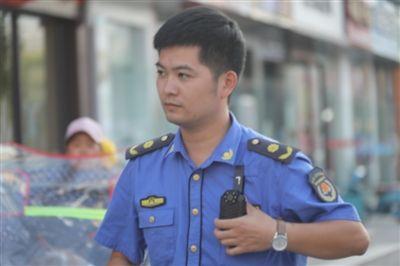【文明創建】劉邦群:街頭那一抹靚麗的藍