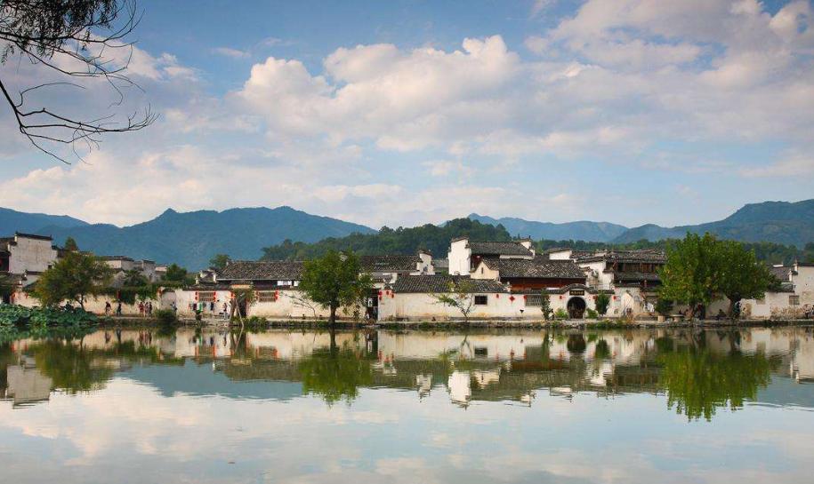 流淌的徽州記憶:千年古村落 游人風景區